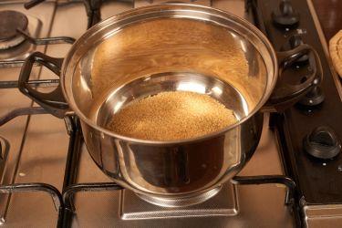 briose-cu-caramel-sarat-topping